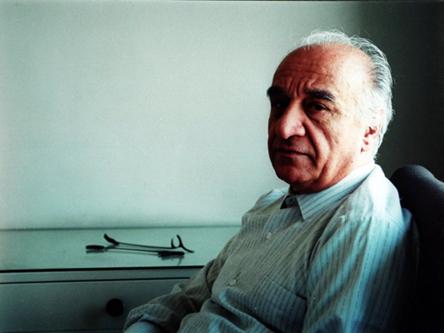 http://www.harmonytalk.com/wp-content/uploads/2009/12/ostad-faramarz-payvar-190-faraamarz-paivar1.jpg